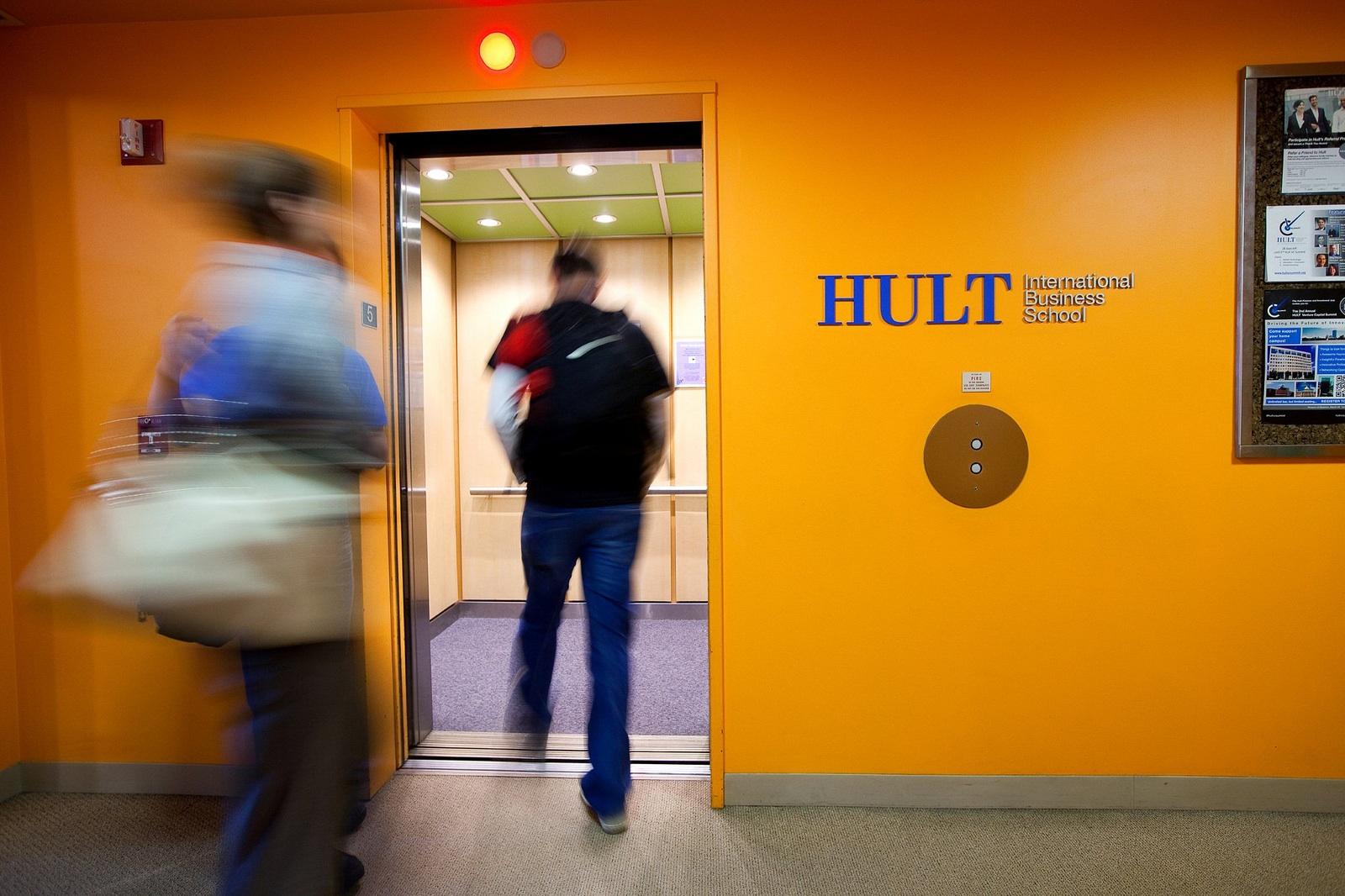 Hult_6